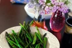 sitr-fried asparagus