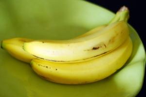 bananas in bowl